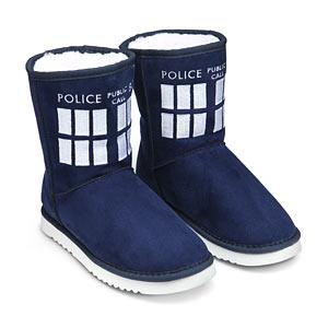 18ec_tardis_boot_slippers
